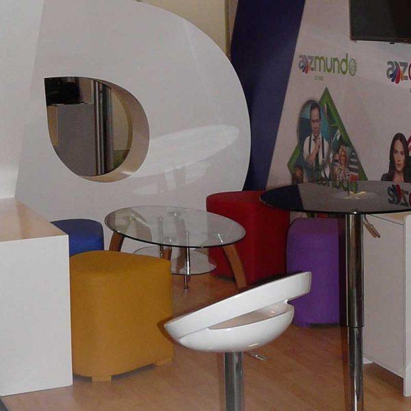 mobiliario-para-stand-en-bilbao-bec-puff-gota-myfstudio-800x800